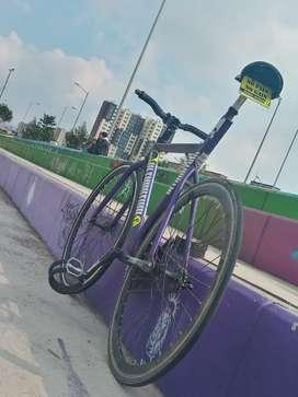 Vendo bicicleta fixie talla 53