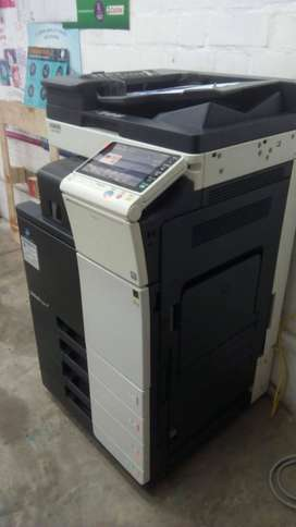Impresora Multifuncional Konica Minolta Bizhub C284