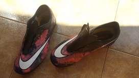 Zapatillas nike mercurial de futbol. Talle 37