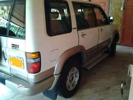 Se vende o se cambia Isuzu Trooper limited