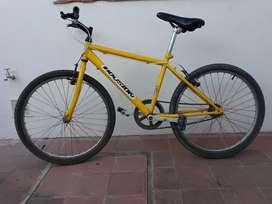 Vendo bicicleta. Excelente estado.