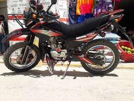 Se vende moto cross 200, en buenas condiciones. Motivos de viaje.