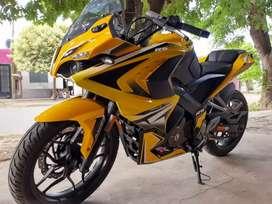 Vendo  Bajaj Rs 200