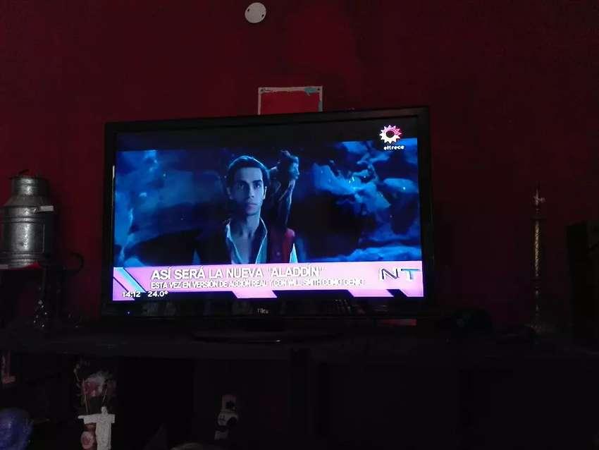 TV LED 42 marca Ilo 0