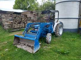 Tractor ford 1715 con pala