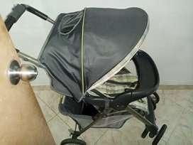 Vendo coche para  bebé unisex marca Graco en perfecto estado un solo uso color gris 125 negociable