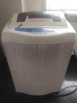 Vendo lavadora para centrifugar la ropa.