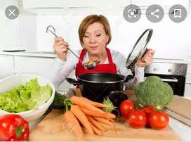 Se requiere cocinera experta en cocina colombiana