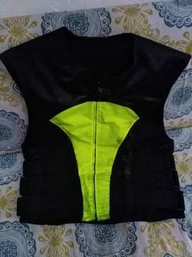 Chaleco para motociclista sistema airbag
