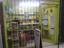 DUEÑO Vendo Local en Importante Galeria sobre Av Colon