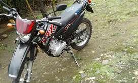 Vendo moto Yamahaxtz