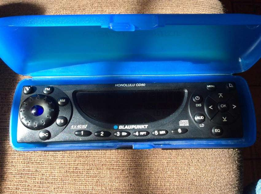FRENTE STEREO BLAUPUNKT HONOLULU CD 50 0
