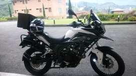 Se ve de hermosa moto adventur 250