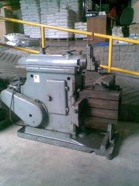 Cepillo para metales de 450 mm, usado.