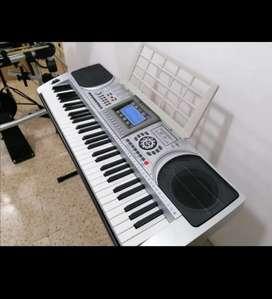 Piano XY 613