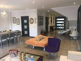 Se Vende Bonita Villa en via a Samborondón Urb Terrasol