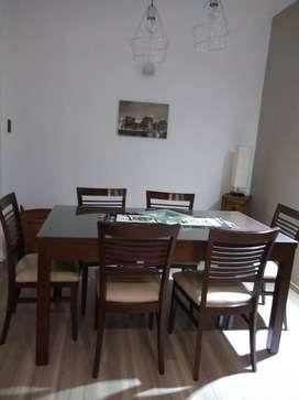 Exelente mesa y 6 sillas