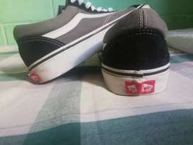 Vendo zapatos vans old skool originales talla #10 usa