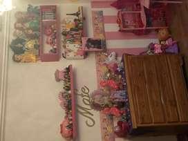 Juego de repisas rosadas para habitacin de nia