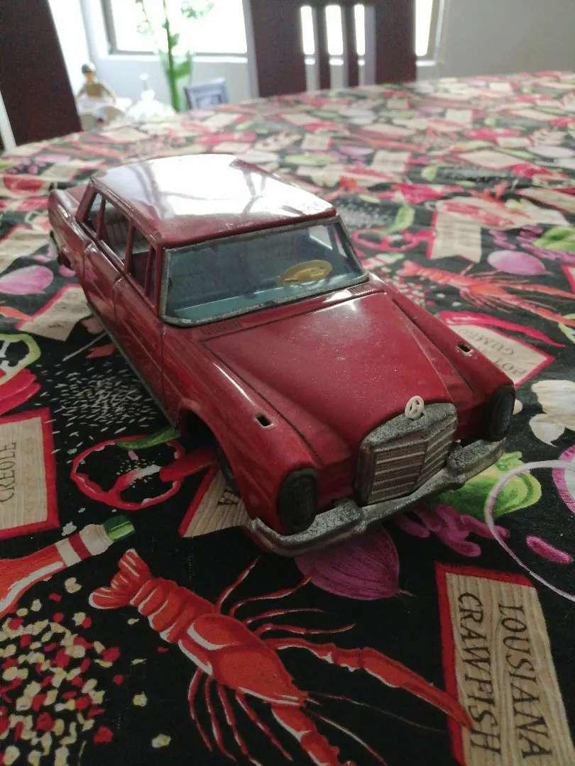 Carrito hojalata Mercedes antiguo