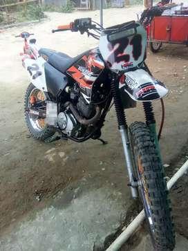 Vendo Moto Sukida 250