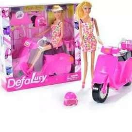 Muñeca en moto