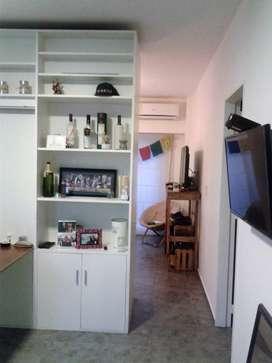 Recoleta, juncal y pueyrredon, lindo monoambiente dividido, dormitorio separado con placard equipado disponible