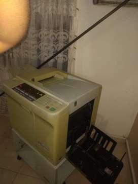 Se vende duplicadora/ fotocopiadora