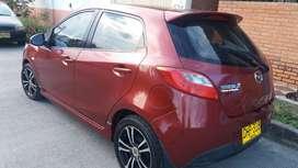 Mazda 2 modelo 2012 perfecto estado