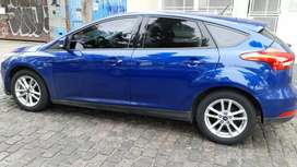 Focus 5 puertas  modelo 2 litros S