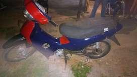 Vendo moto 110 a 5500$