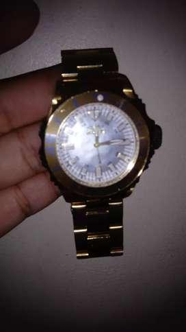 Vendo reloj invicta