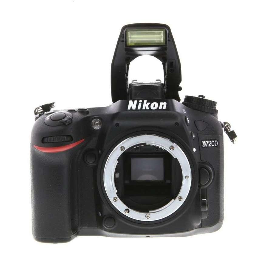 Nikon D7200 Body 0