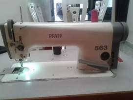 Maquina plana Pfaff 563