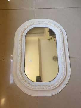 Espejo oval borde plastico 60x40