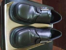 Zapatos casuales de cuero/ Talle 41