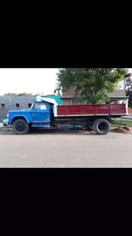 Dodge 500 con mecánica Chevrolet bedford 350