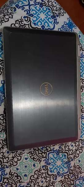 Vendo laptop core i7 4 gene