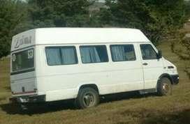 Vendo mini bus blanco funcionado