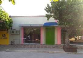 ¡Hermosos Locales Comerciales para TU Negocio!.  En el Mini Centro Comercial Cacica