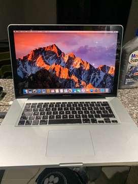 Macbook pro 15 core i7 cambio permuto
