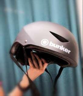 Casco para bicicleta Negro Talla L Marca Bunker (usado)