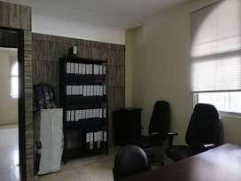 Se alquila local de oficinas en Avenida 4 de noviembre, Manta