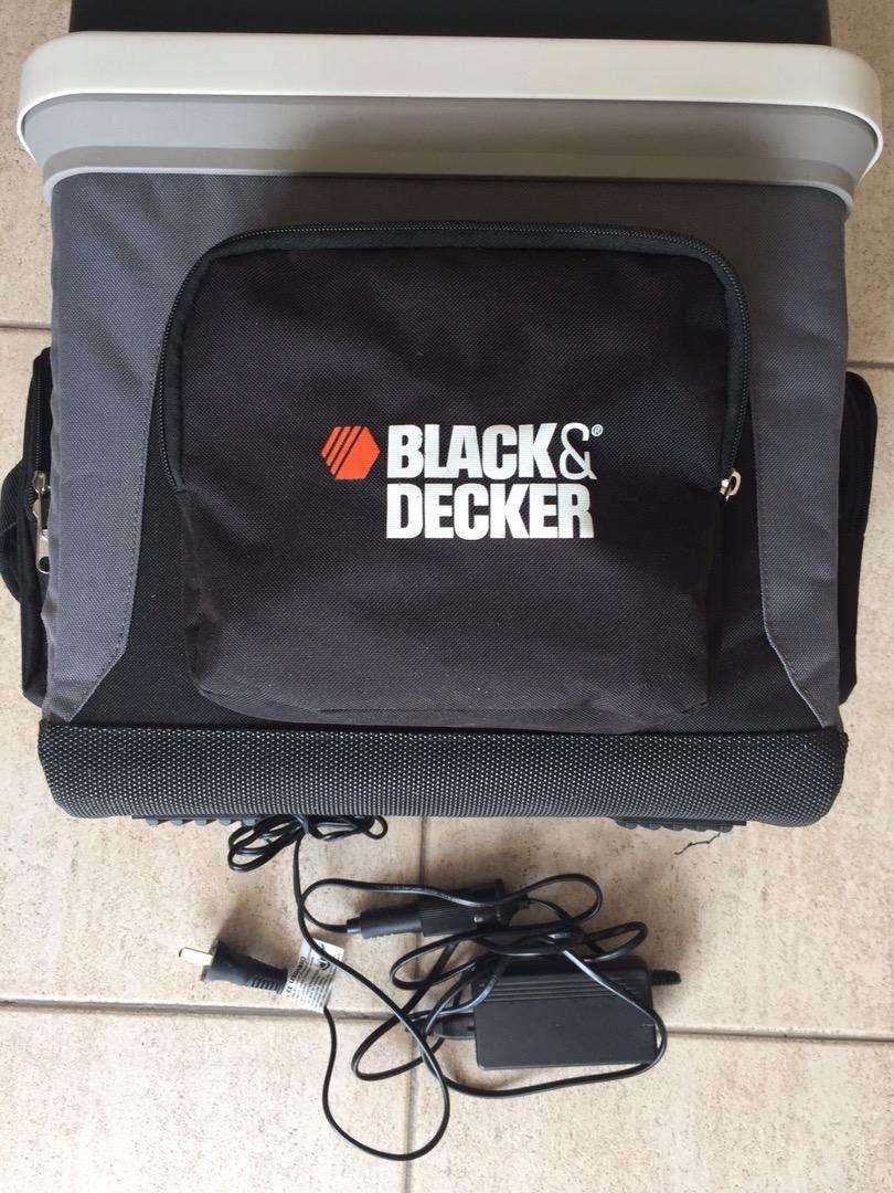 Heladera Black Decker 12/220v frío calor 24l 0