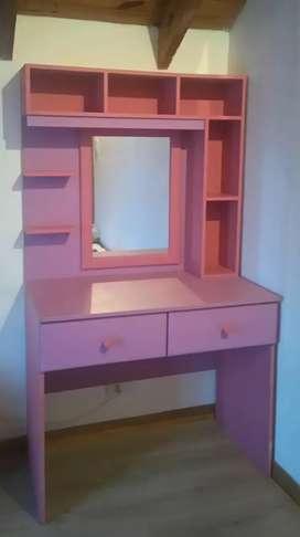 MuebleTocador con espejo