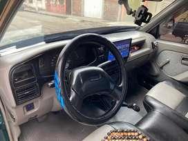 Chevrolet luv año 2005.