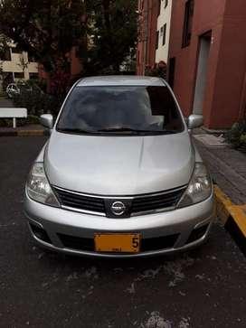 Nissan Tiida Sedan 2008