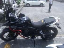 Vendo moto akt 250 aventuré solo whatsapp