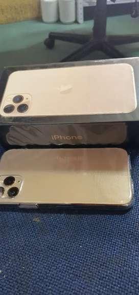 Vendo hermoso iPhone 11 pro 64 gb 10 de 10 DORADO