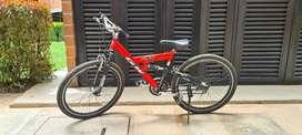 Bicicleta Roja- Negra / poco Uso / Usado